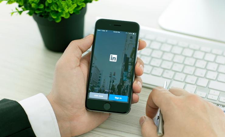 10 perfis de influenciadores brasileiros que você precisa seguir no LinkedIn
